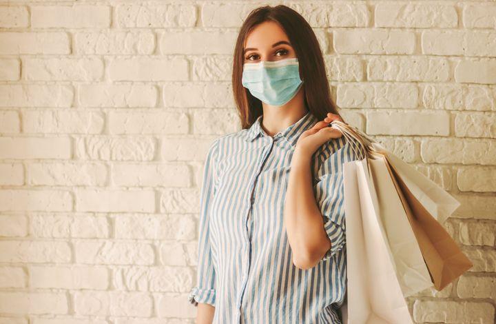 Combien de temps le coronavirus peut survivre sur des vêtements? Difficile de répondre à cette question.