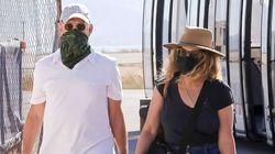 Στην Αντίπαρο με μάσκες ο Τομ Χάνκς και η Ρίτα