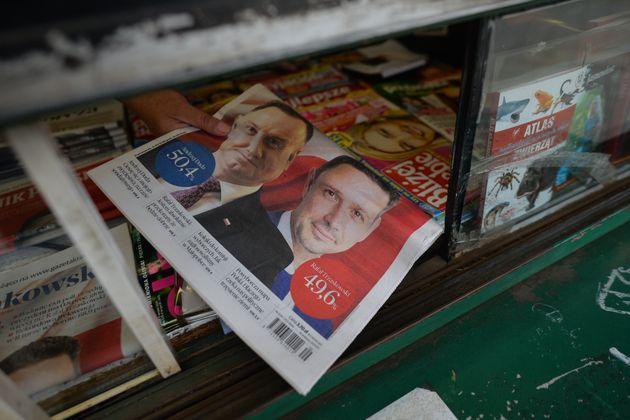 O jornal de hoje 'Gazeta Krakowska' com os resultados da pesquisa de saída de ontem à noite...