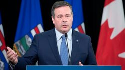 Kenney Says Feds Won't Let Apple, Google Help Alberta Contact Tracing
