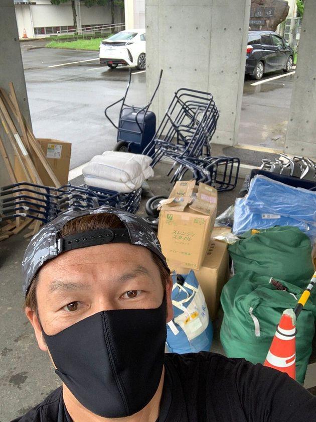 豪雨被害で復旧作業に必要な道具を集めた巻さん
