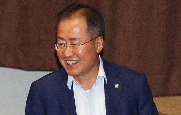 국회 본회의 참석한 홍준표 무소속 의원. 2020. 6.