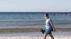 Mascarillas en playas y piscinas: Andalucía obligará a llevarlas en todos los espacios