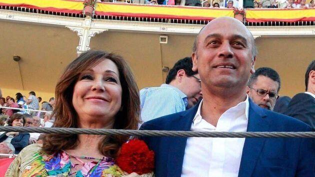 La periodista Ana Rosa Quintana y su marido, Juan Muñoz en una imagen de