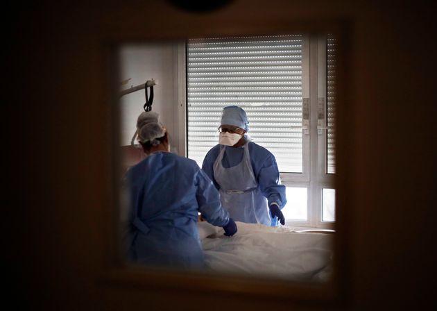 Un premier cas confirmé de contamination intra-utérine au Covid-19 a été...