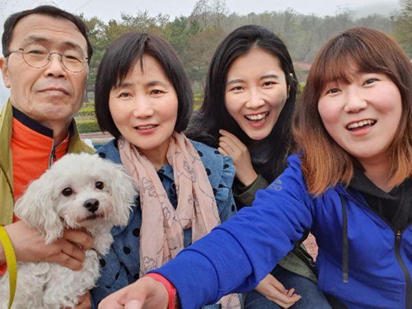 최희영씨 가족과 함께 인천 대공원에 놀러간 시루.