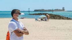 El País Vasco se suma a la mascarilla obligatoria con independencia de la distancia social, también en piscinas y