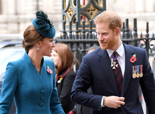 Harry chiama di nascosto la cognata Kate: verso l'addio a Meghan
