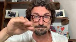 Lo show a gesti di Toninelli su Instagram: