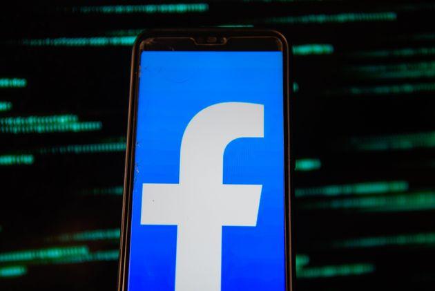 Facebook derrubou contas e perfis por