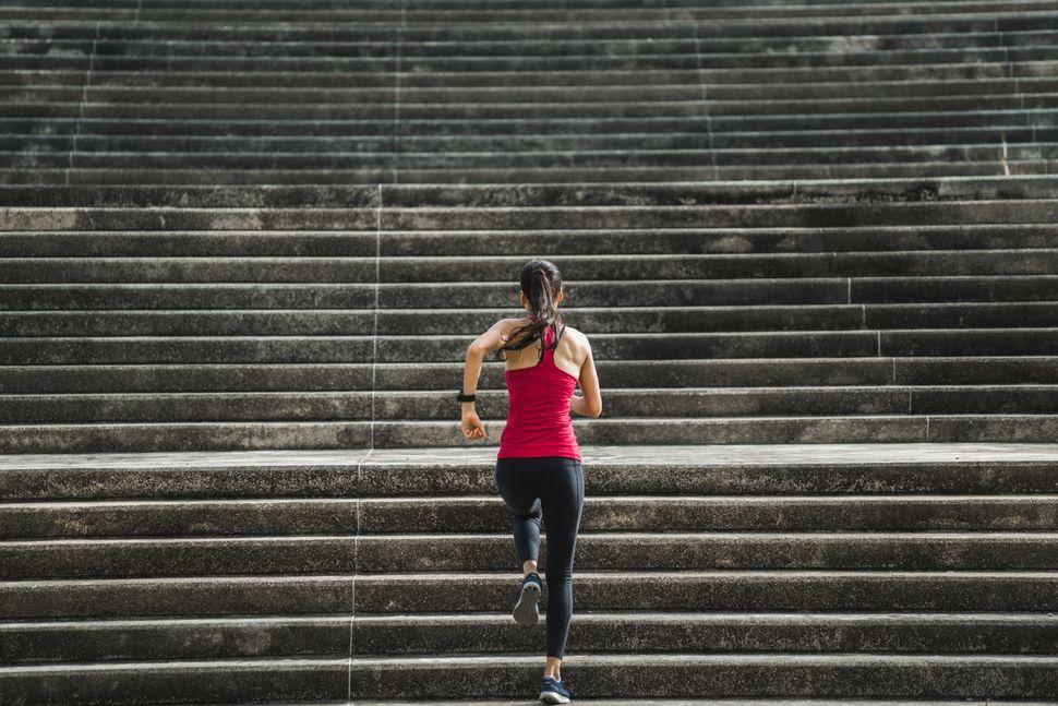 Se sua ideia de exercício é estreita a ponto de incluir apenas certos tipos de movimento mais intensos, tente ampliar sua perspectiva.