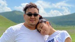 元横綱・朝青龍が再婚発表 2ショット写真を公開し「結婚する事になりました」