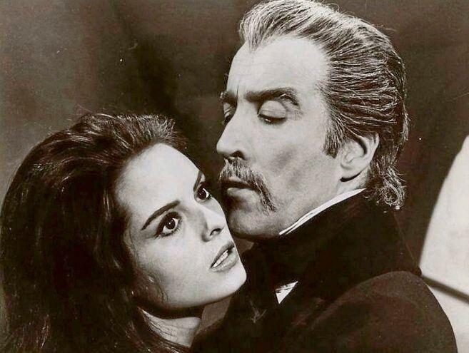 Soledad Miranda y Christopher Lee en 'El conde Drácula'.