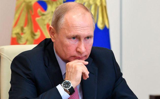 Russian Hackers Targeted UK Coronavirus Vaccine Research, Says