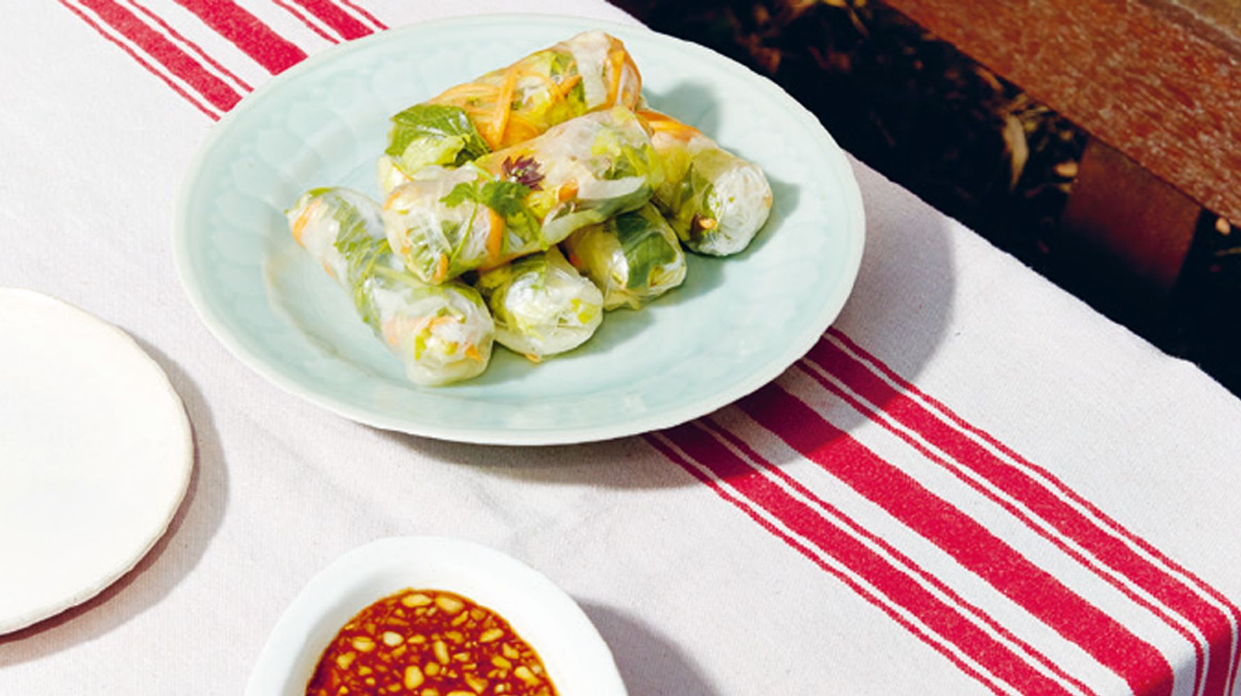 Freshen Up Weekday Lunches With This Vegetarian Summer Rolls Recipe