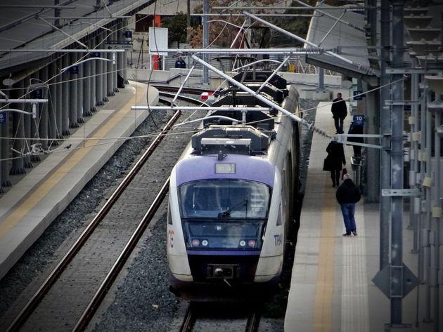 Η προσβασιμότητα στο σταθμό τρένου του Αιγίου, το μεγάλο