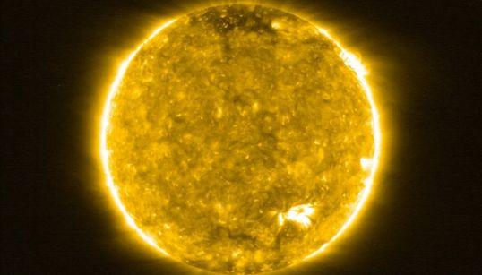 역사상 가장 가까이서 찍은 태양 사진들 (화보,