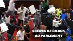 Au parlement taïwanais, les débats finissent régulièrement en bagarres et bombes à
