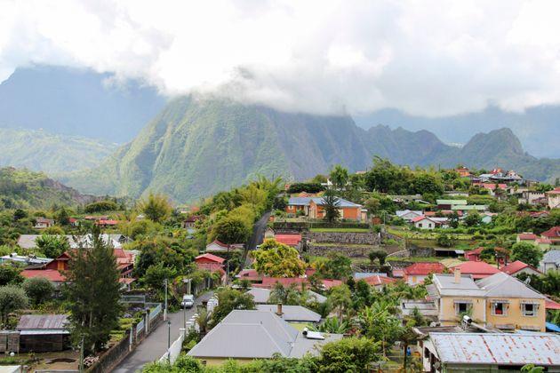 Vue aérienne du village de Hell-Bourg, sur l'île de la Réunion. (photo