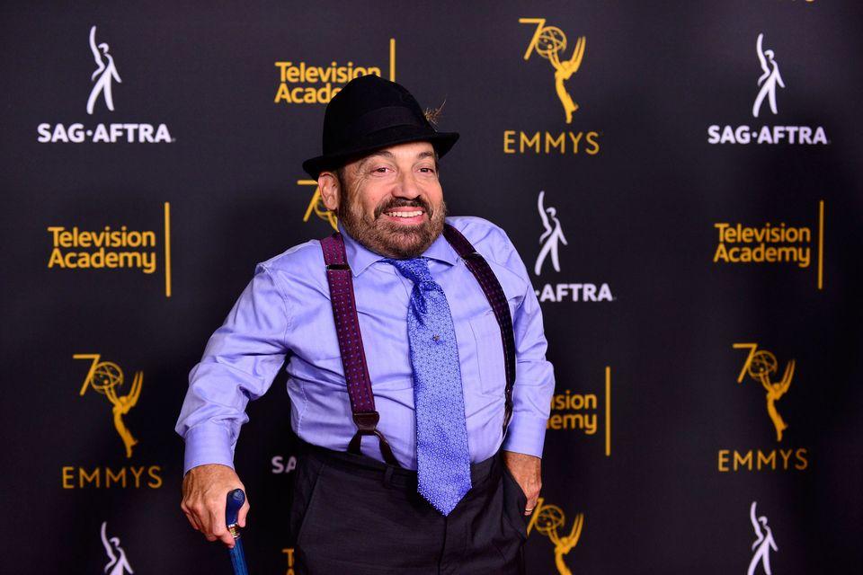 Danny Woodburn em um evento da Academia de Televisão e do SAG-AFTRA em Hollywood, no dia 11 de...