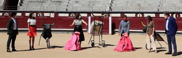 Ayuso y Almeida en un acto en Las
