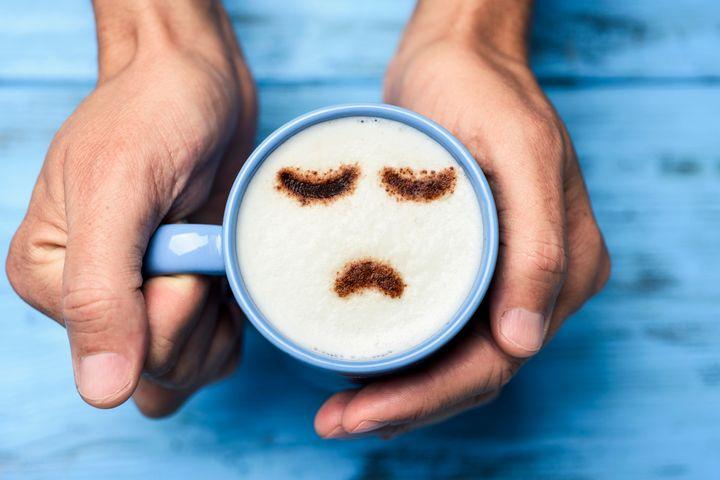 O café deveria te dar energia, mas na verdade o resultado pode ser inverso.