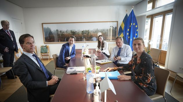De izquierda a derecha, los primeros ministros de Holanda, Austria, Finlandia, Suecia y