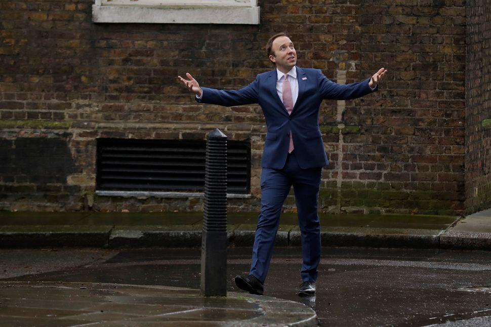 Secretário de Saúde Matt Hancock em Downing Street em fevereiro