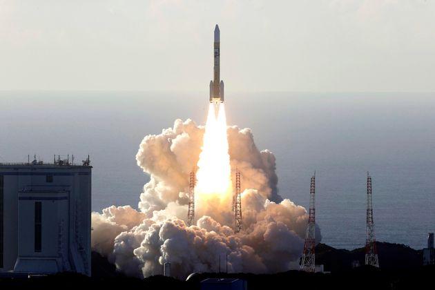 ΗΑΕ: Εκτόξευση της πρώτης διαστημικής αποστολής στον