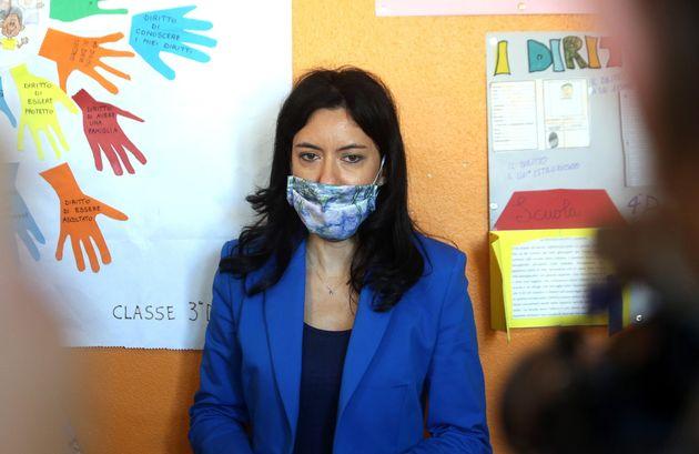 La ministra dell'Istruzione Lucia Azzolina in visita all'Istituto Comprensivo Riccardo Massa a Milano,...