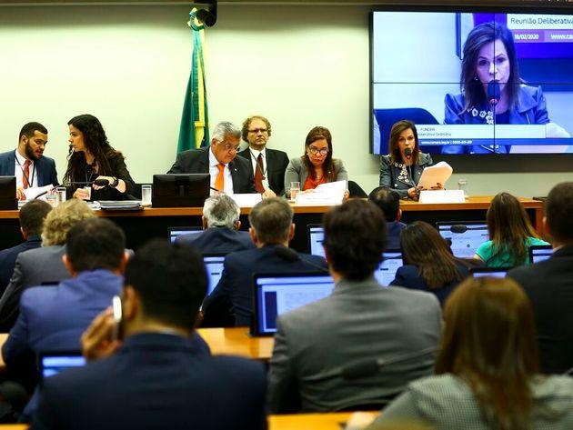 Proposta da deputada Professora Dorinha amplia participação da União no Fundeb de...