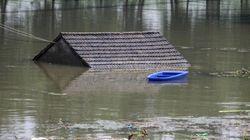 '최악의 홍수' 겪는 중국에서 연쇄 피해가 이어지고