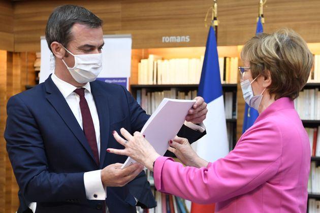 Nicole Notat a remis à Olivier Véran les conclusions du Ségur de la