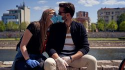 "Ligar en Tinder en plena pandemia: ""Fue maravilloso, llevaba dos meses sin tocar a"