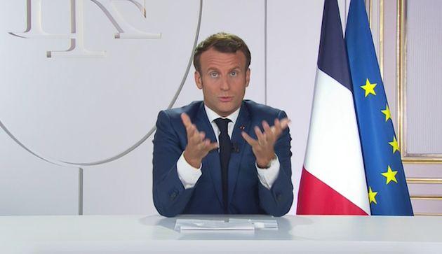 Sur TF1, Emmanuel Macron a écarté la possibilité de voir l'État français offrir des masques de protection...