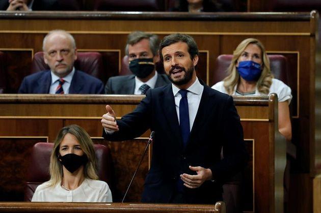 El líder del PP, Pablo Casado, participa en una sesión del pleno del Congreso de los Diputados este miércoles...