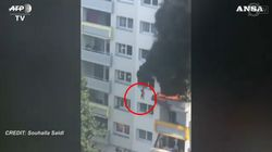 Due bambini si lanciano da più di 10 metri per sfuggire a un incendio: sono salvi