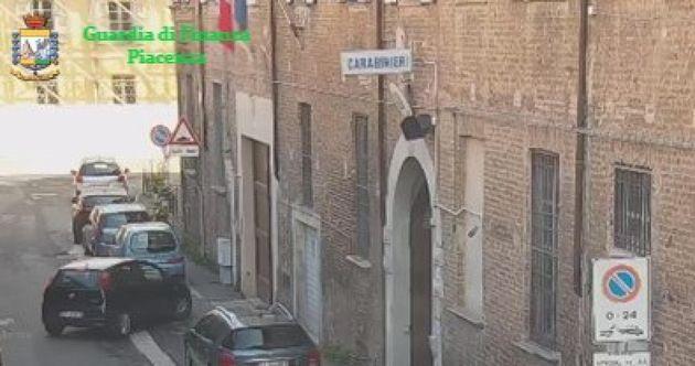 Caserma sequestrata. ANSA/PRESS OFFICE/GUARDIA DI