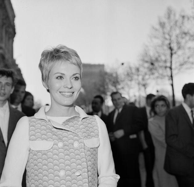 Jean Seberg dans les rues de Paris, le 27 avril 1967, quelques temps avant que la traque du FBI ne