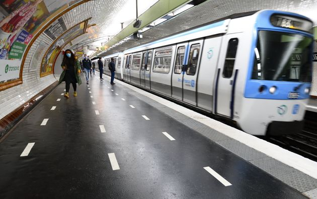 Métro parisien photographié après le déconfinement