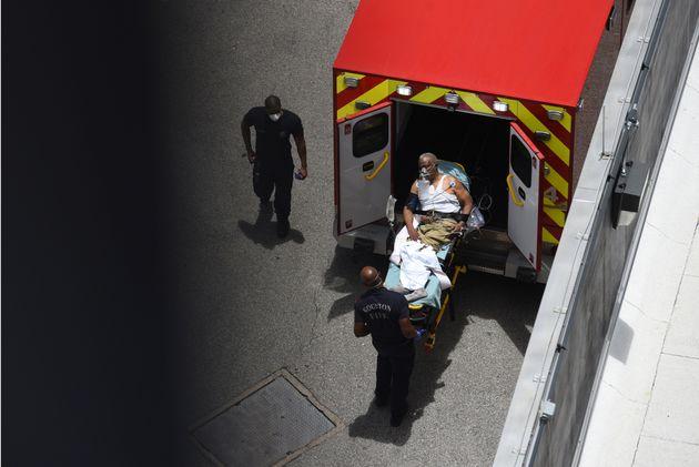 Ημερήσιο ρεκόρ θανάτων από κορονοϊό στο Τέξας: Στοιβάζουν τις σορούς σε