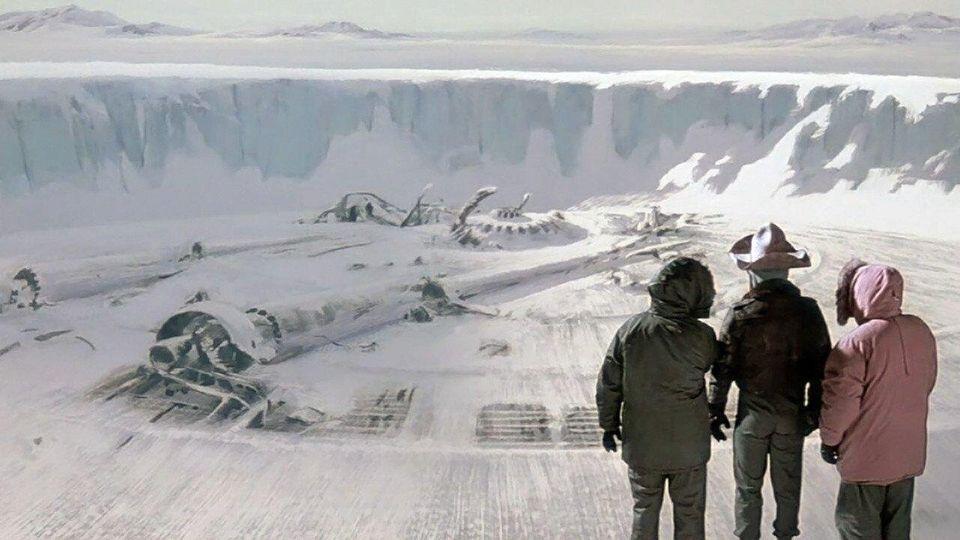 Gary (Donald Moffat), MacReady (Russel) e Copper (Richard Dysart) descobrem a ameaça que...
