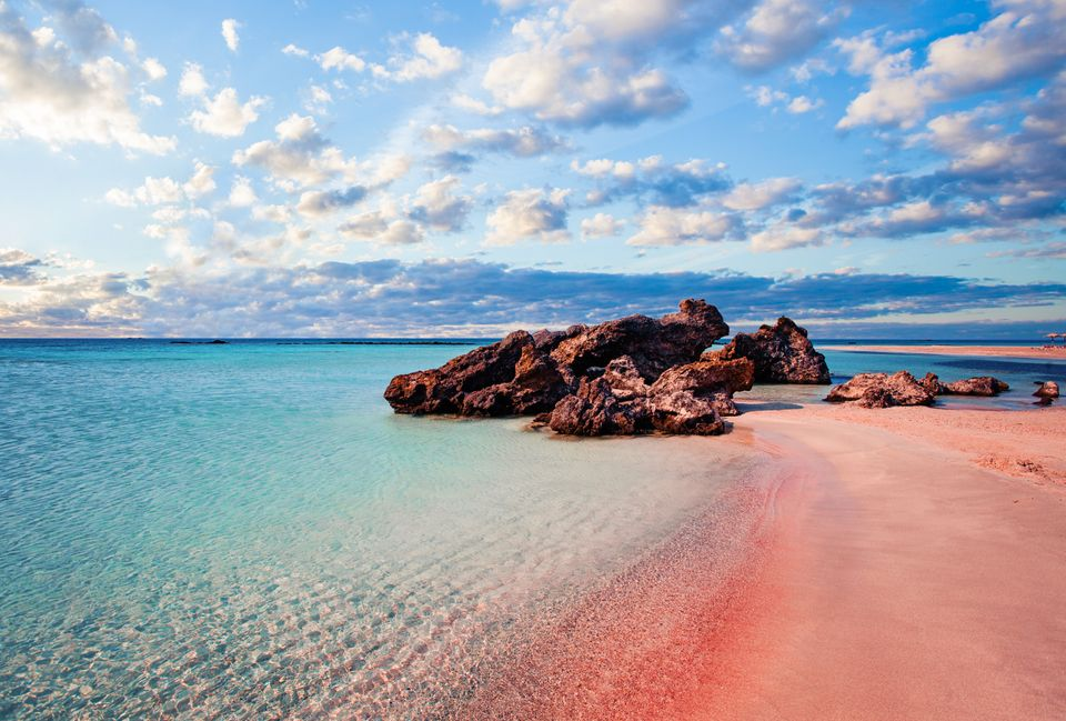 Η ροζ άμμος στο Ελαφονήσι της Κρήτης
