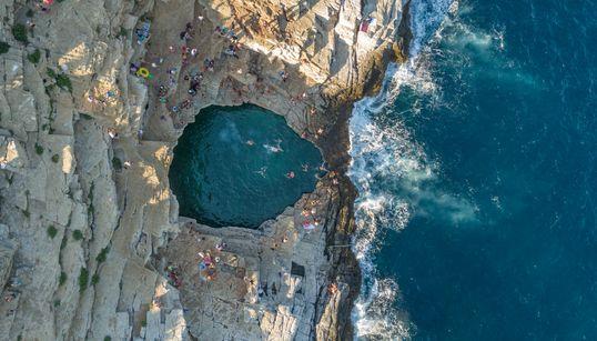 Πέντε ιδιαίτερες ελληνικές παραλίες με άγρια φυσική