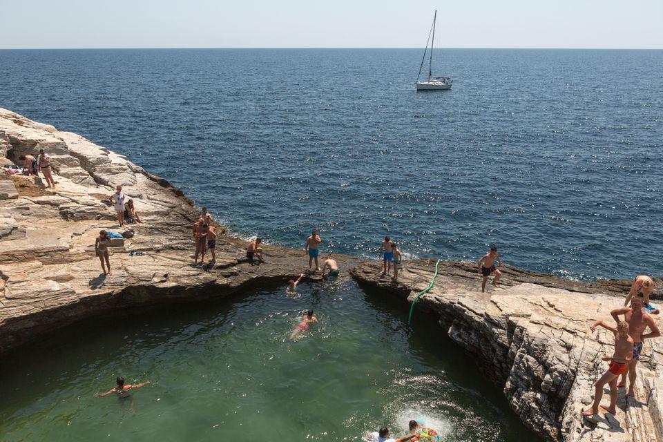 Η πισίνα της Γκιόλας στην Θάσο
