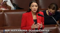 Il deputato la offende. La risposta di Alexandria Ocasio-Cortez lo rimette in
