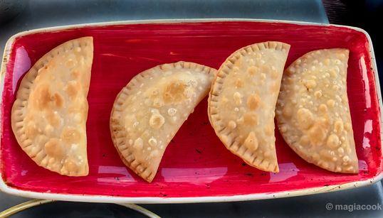 Γευστικό ταξίδι στη Μήλο με τραγανά παραδοσιακά