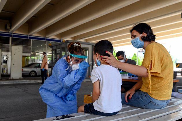 Στα 26 τα νέα κρούσματα κορονοϊού στην Ελλάδα, χωρίς νέο