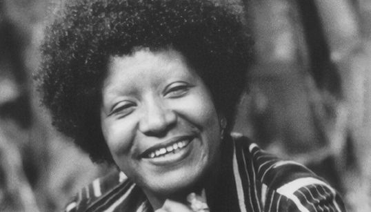 Para além de Angela Davis: 6 mulheres negras que construíram o pensamento feminista no