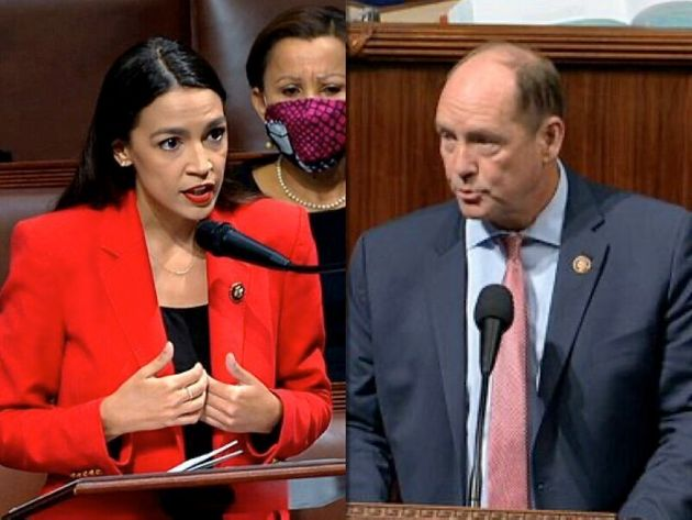 民主党アレクサンドリア・オカシオコルテス議員(左)と、共和党のテッド・ヨーホー議員